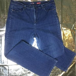 Style &Co Tummy control Jeans 18